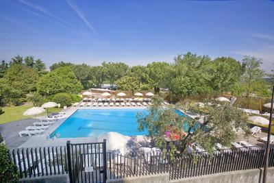 Sunflower alberghi a roma hotel rouge e noir un hotel 4 stelle a roma per famiglie e per - Hotel piscina roma ...
